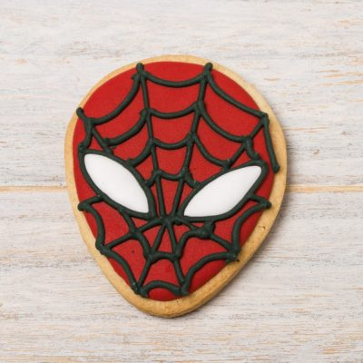 galleta decorada con forma de spiderman